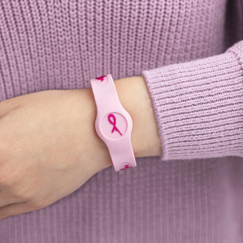 lady wearing a Pink Flex Sport Bioflow wristband